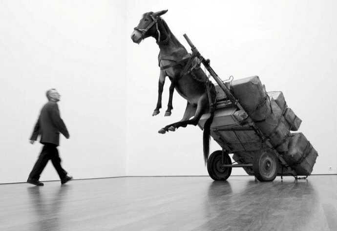 Maurizio Cattelan. Бунтарь современного искусства 385
