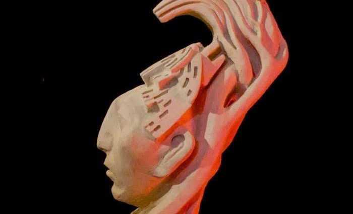 Скульптура человека-кукурузы. Eduardo Urbano Merino 1