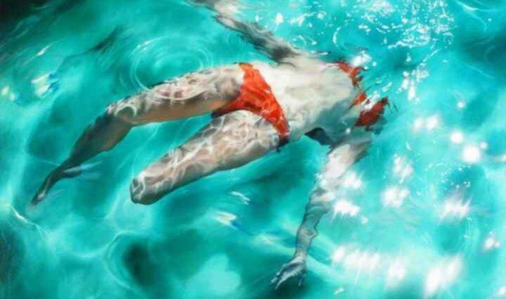 Sarah Harvey. Девушка под водой 1
