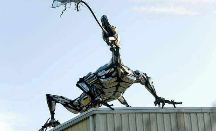 Скульптуры из автомобильного хлама. Tom Samui 1
