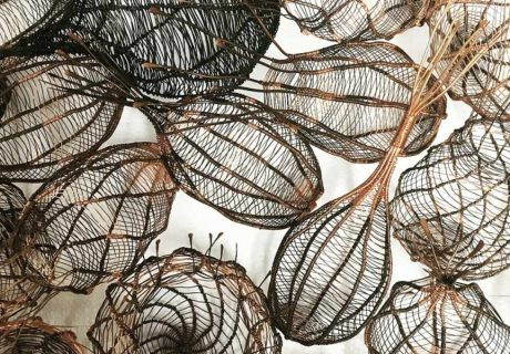 Изделия из скрученной медной проволоки. Sally Blake
